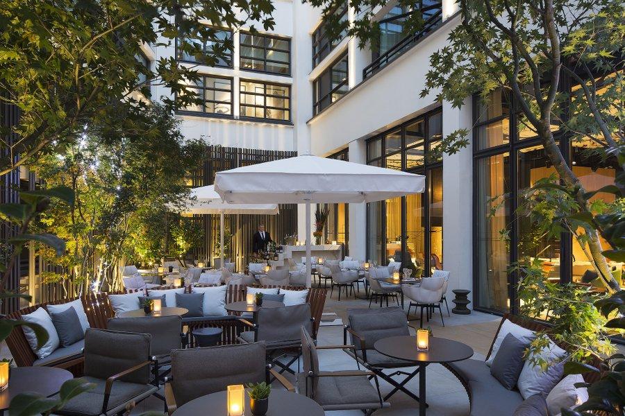 Le cinq codet_Hotel Paris_terrassLes  Boomeuses_webmagazine_Femmes_50 ans