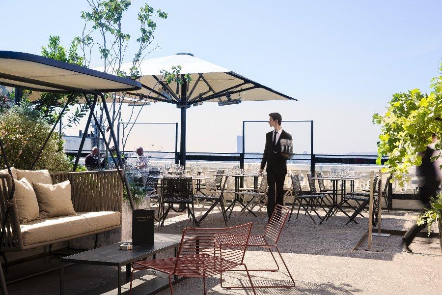 terras hotel_Les Boomeuses_femme_50 ans -Webmagazine