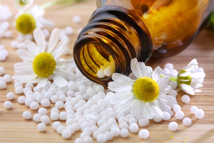 complements-alimentaire-homeopathie-femme-50-ans_les-boomeuses
