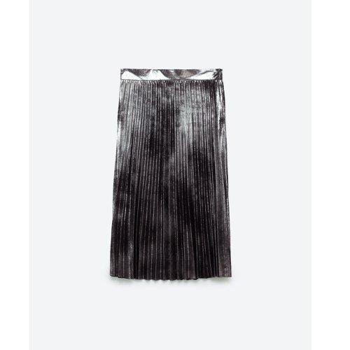 jupe plissée -zara_Mode-les boomesues_Femme-50 ans-.webmagazine
