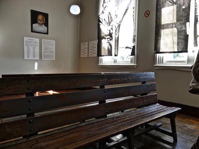 La salle d'attente de la gare.