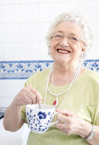 teleassistance-libralerte-les boomeuses-senior-femmes