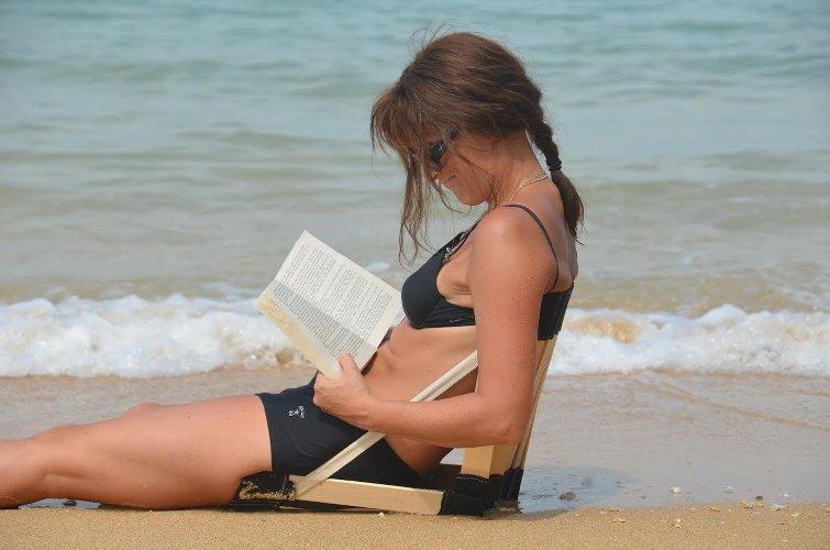 plage-chaise_Stol-ergolife-les boomeuses-palge-femme-50 ans