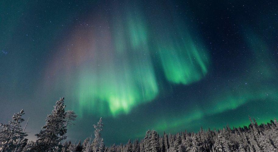 aurores boreales-finlande-laponie-les boomeuses-finnair-hiver-Kittila-femmes_50 ans