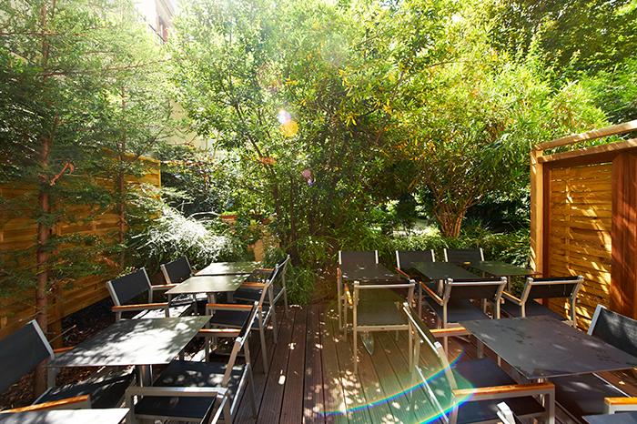 Une terrasse cachée en plein Paris