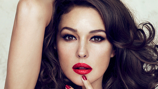 Monica-Bellucci-Se-maquiller-a-50-ans-Les-Boomeuses