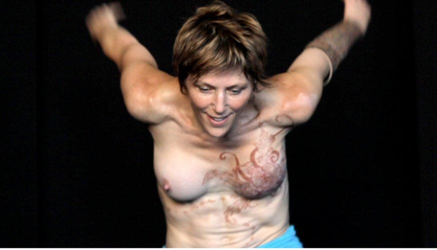 se-reconstruire-apres-un-cancer-du-sein_les-boomeuses_feme-50-ans