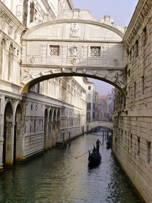 Venise-le pont des soupirs-Evasion-les Boomeuses-Webmagazine_femme_50 ans
