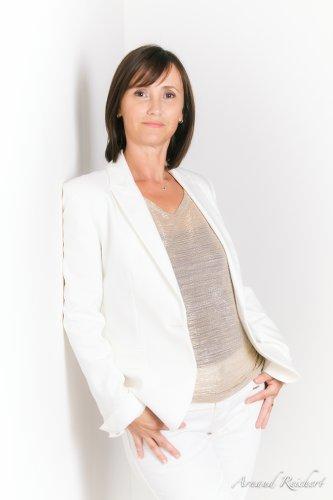 Portrait de boomeuse-Sandrine catalan masse-webmagazine_Femme_50 ans