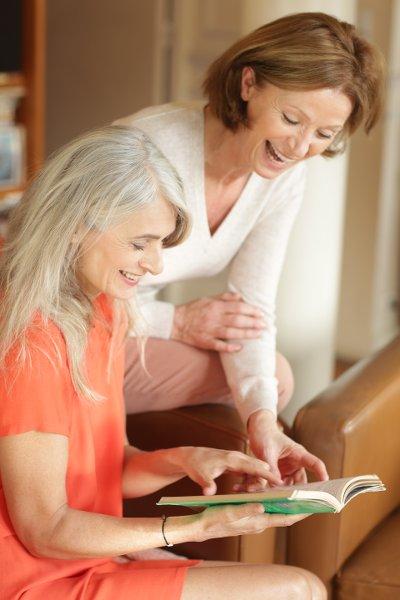 Se faire des amies à 50 ans-Amis ©Brigitte Lazaroo pour Les Boomeuses
