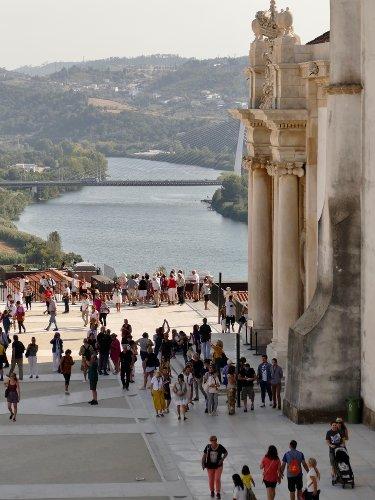 vue de la ville de coimbra au Portugal avec l'université et le fleuve