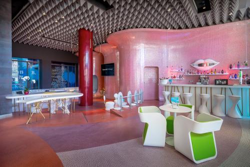 photo du hall d'un hôtel design à MaLaga