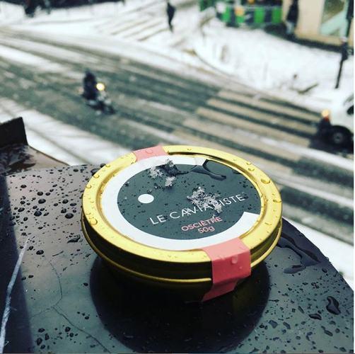 Photo d'une boite de caviar, publiée dans les boomeuses magazine
