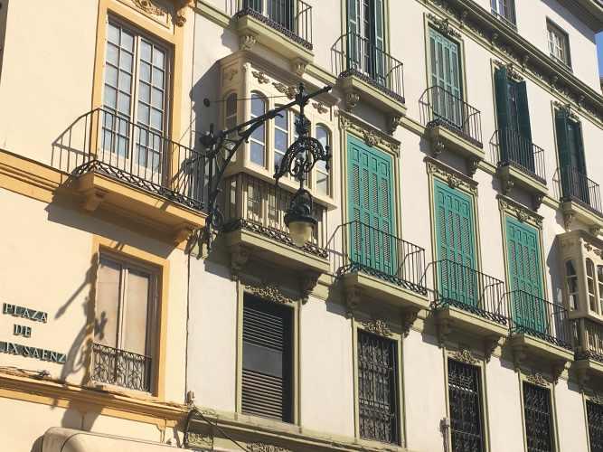 façade d'immeuble à Malaga