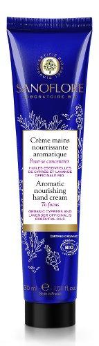 Photo d'un tube de crème bleu pour les mains, publiée dans les boomeuses