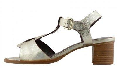 sandales dorée pour mère de la mariée