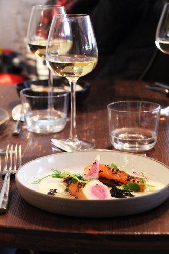 assiette de saumon restaurant l''scient