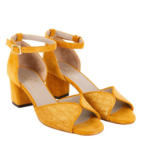 sandales pour femmes couleur safran