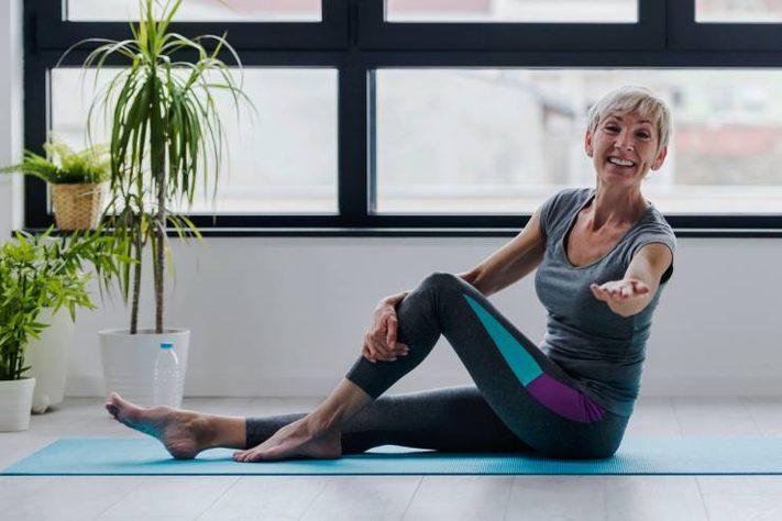 femme faisant du pilates