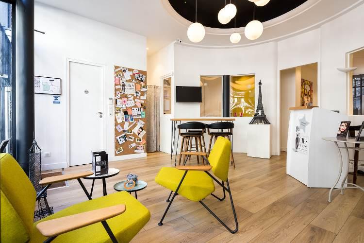 intérieur du salon cils en Seine