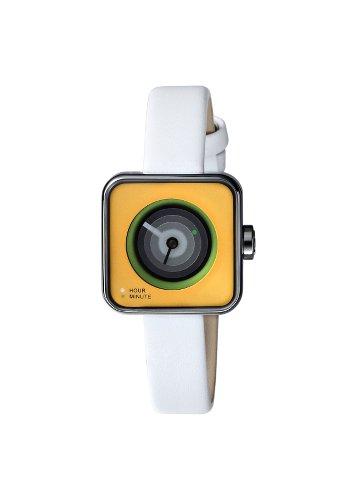 montre futuriste blanche