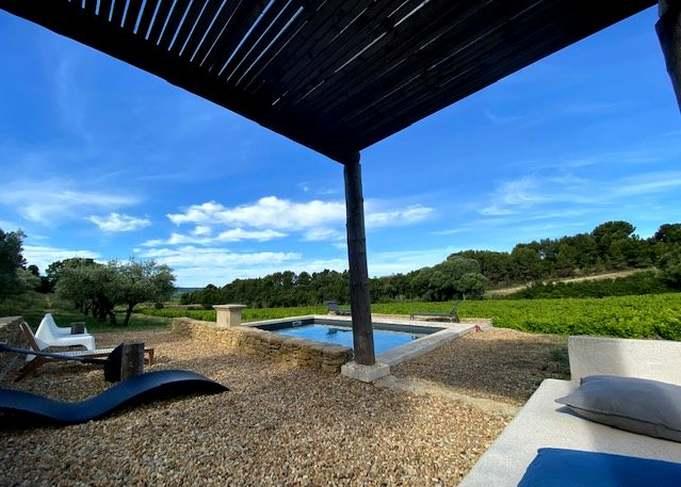 la piscine du gîte en drôme provençale
