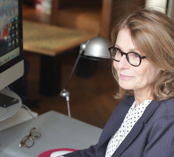 recherche emploi pour femme 50 ans)